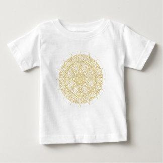 クラシックな金ゴールドのエレガントな東洋のヴィンテージの曼荼羅 ベビーTシャツ