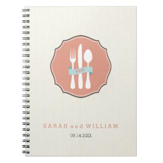 クラシックな食事用器具類のベージュ細い縦縞の夕食 ノートブック