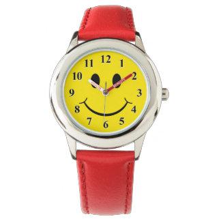 クラシックな70年代のにこやかで幸せな顔 腕時計