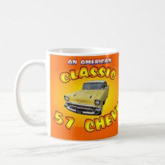 クラシックの1957年のChevy車のマグ コーヒーマグカップ