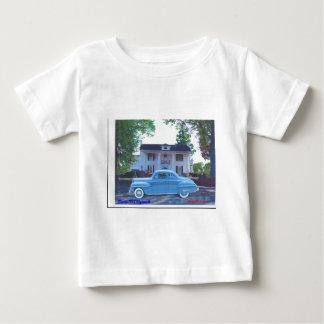 クラシック1942年のプリマス ベビーTシャツ