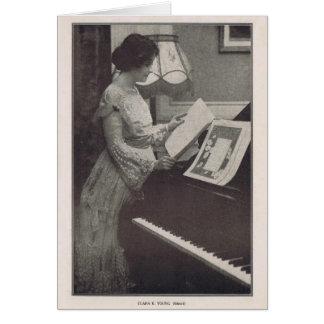 クララKimballの若者のピアノが付いている1917年のポートレート カード