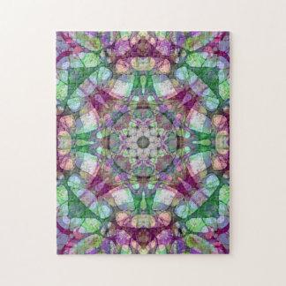 クランベリーおよび緑のマドラスの曼荼羅の万華鏡のように千変万化するパターン ジグソーパズル