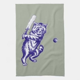 クリケットをする猫のギフト キッチンタオル