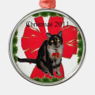 クリスマスのさらさの子猫 メタルオーナメント