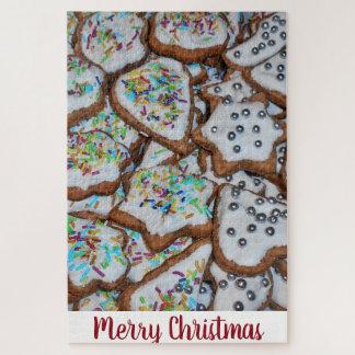 クリスマスのために艶をかける砂糖が付いているジンジャーブレッド ジグソーパズル