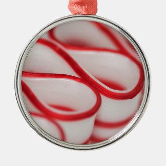クリスマスのためのペパーミントのリボンキャンデーのひだ メタルオーナメント