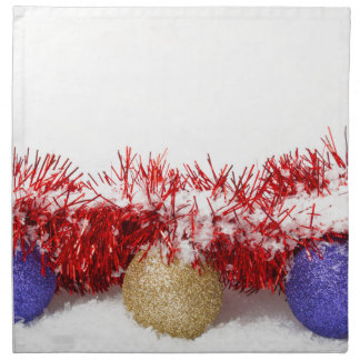 クリスマスのつまらないもののチンサルおよび雪によって印刷されるナプキン ナプキンクロス