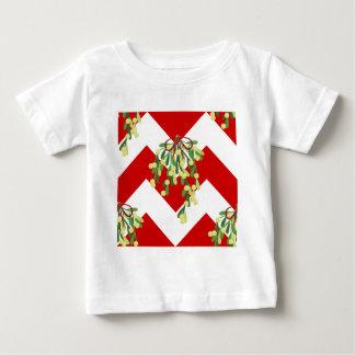 クリスマスのシェブロンのヤドリギ ベビーTシャツ