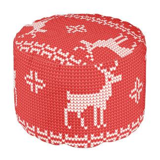 クリスマスのトナカイのジャンパーのニットパターン プーフ