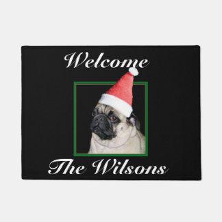 クリスマスのパグ犬 ドアマット