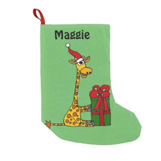 クリスマスのパッケージを持つおもしろいなキリン スモールクリスマスストッキング