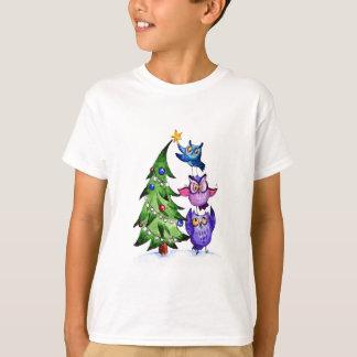 クリスマスのフクロウの休日の木