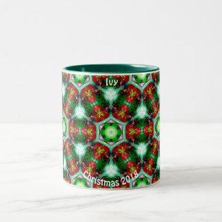 クリスマスのフラクタルの~のためのキヅタの~の名前入りな貝 ツートーンマグカップ