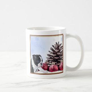 クリスマスのボストンテリアの子犬 コーヒーマグカップ