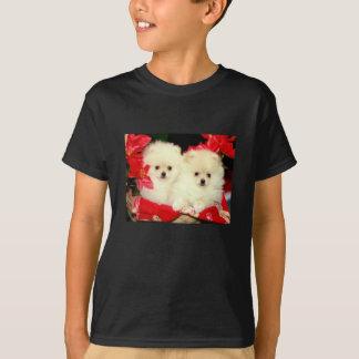 クリスマスのポメラニア犬 Tシャツ
