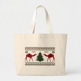 クリスマスのラクダのこぶ日の醜いセーター ラージトートバッグ