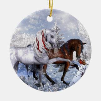 クリスマスの休日の馬 セラミックオーナメント