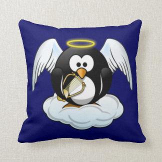 クリスマスの天使のペンギン クッション