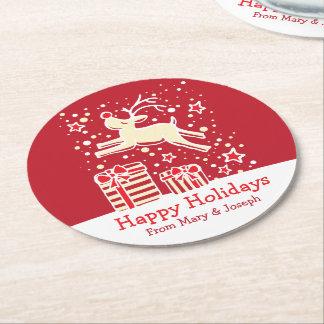 クリスマスの意気揚々と歩くトナカイの赤の紙のコースター ラウンドペーパーコースター