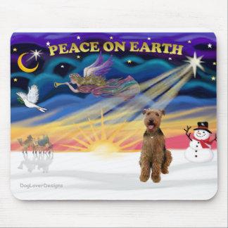 クリスマスの日の出- Airedale 3 マウスパッド