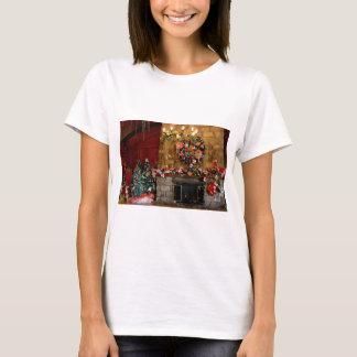 クリスマスの火の場所場面 Tシャツ