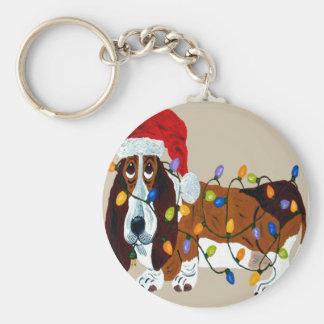 クリスマスの照明でもつれるバセット犬 キーホルダー