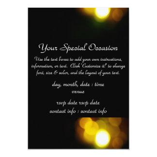 クリスマスの照明の金ゴールドの招待 カード