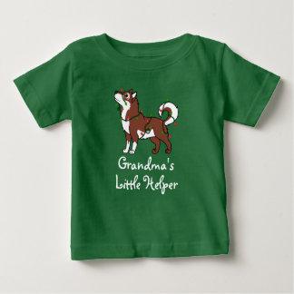 クリスマスの照明を持つ赤いアラスカンマラミュート ベビーTシャツ