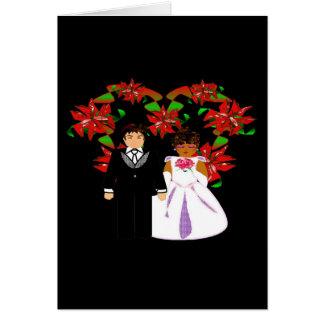 クリスマスの異人種間の結婚式のカップルのハートのリース ノートカード
