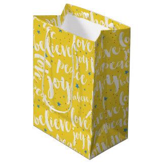 クリスマスの白い文字デザイン ミディアムペーパーバッグ