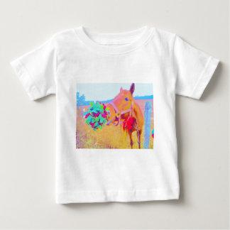 クリスマスの馬 ベビーTシャツ