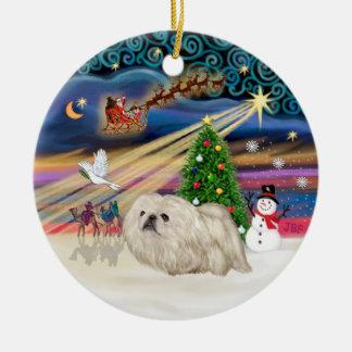 クリスマスの魔法- Pekingese (白い) セラミックオーナメント
