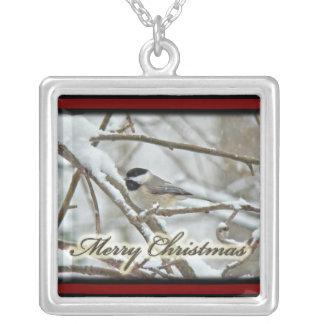 クリスマスの黒によっておおわれる《鳥》アメリカゴガラのネックレス シルバープレートネックレス
