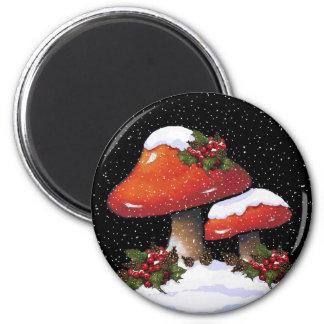 クリスマスのToadstools、ヒイラギ、マツ円錐形、雪 マグネット