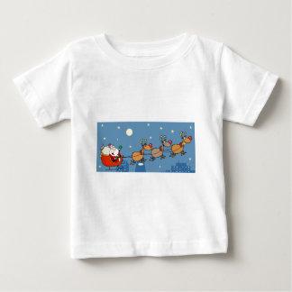 クリスマスサンタそりおよびトナカイ ベビーTシャツ
