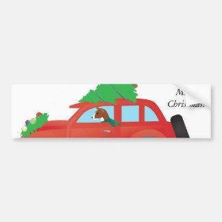 クリスマスツリーが付いている車を運転しているBasenjiのハウンドドッグ バンパーステッカー