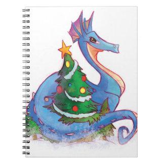 クリスマスツリーのあたりのドラゴン ノートブック