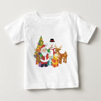 クリスマスツリーのサンタのトナカイの雪だるま ベビーTシャツ