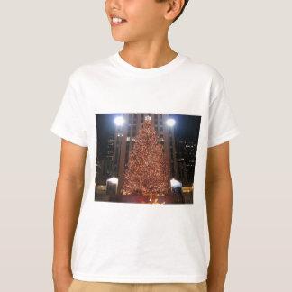 クリスマスツリーのロックフェラーの中心 Tシャツ