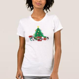 クリスマスツリーのワイシャツの下でハスキーな遊ぶこと Tシャツ