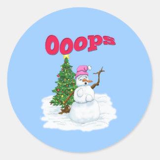 クリスマスツリーを持つ雪の女性OOps ラウンドシール