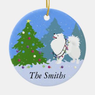 クリスマスツリーを飾っているアメリカのエスキモー犬 セラミックオーナメント