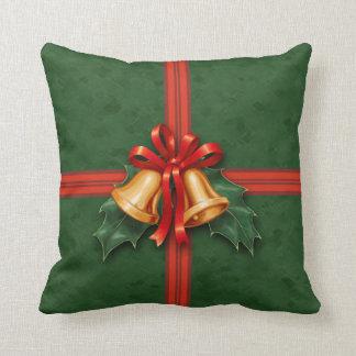 クリスマスプレゼント鐘およびヒイラギの緑 クッション