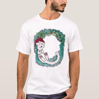 クリスマス猫の昼寝のリースの写真のオーナメント Tシャツ
