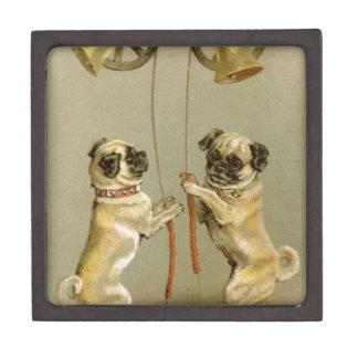 クリスマス鐘を鳴らしている2匹のパグ犬 ギフトボックス