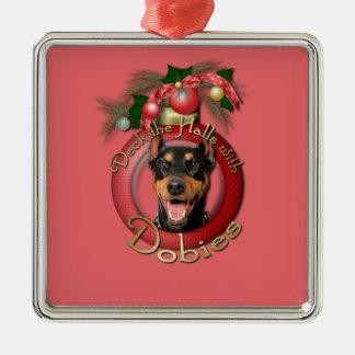 クリスマス-デッキホール-ドーベルマン(犬) - Megyan メタルオーナメント