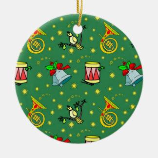 クリスマス-フレンチ・ホルン及びマゼンタのドラム2 陶器製丸型オーナメント