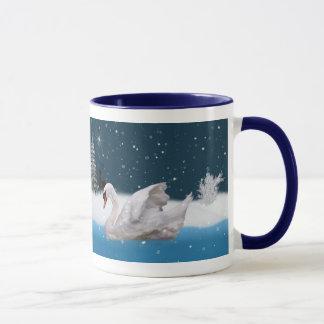 クリスマス、湖の白鳥とのSnowy夜 マグカップ