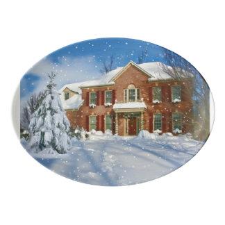 クリスマス、Snowyの冬場面の家 磁器大皿